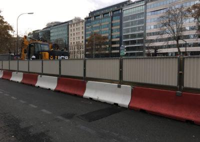 Bâches acoustiques pour le chantier du RER Éole à Neuilly sur Seine / Vue de l'extérieur