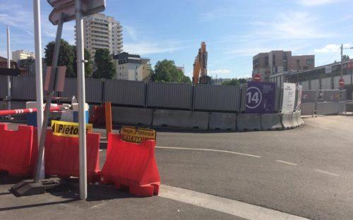 Bâches acoustiques pour le chantier d'une nouvelle station de métro – Grand Paris express