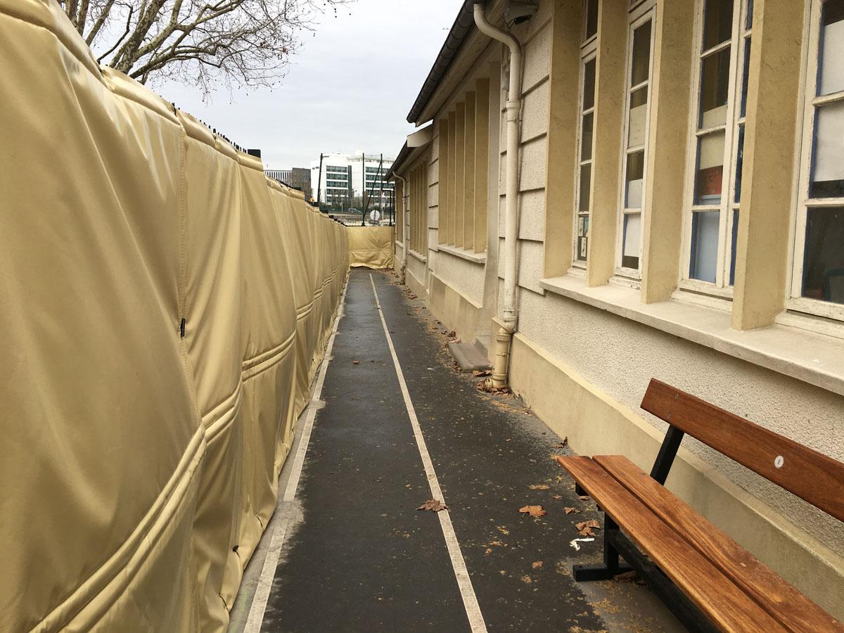 Bâches acoustiques pour la protection acoustique d'une école à Paris