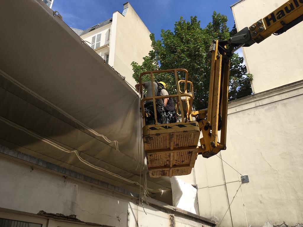 Bâches acoustiques pour un chantier de démolition à Paris