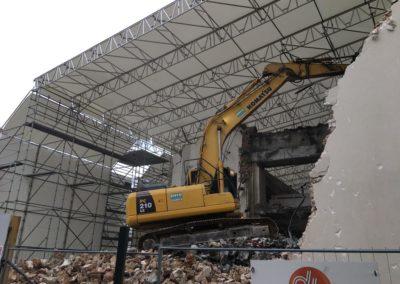 Bâches de protection de chantier de démolition au siège de L'Oréal à Clichy