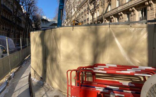 Une gamme de couleurs pour vous fondre dans le décor : Les bâches OSLO beiges sont assorties aux bâtiments de Paris !